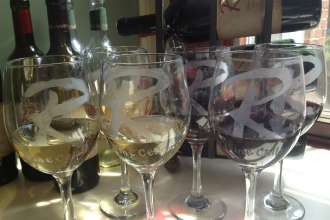R_wine_glasses_1_bgEditor_1406404890778
